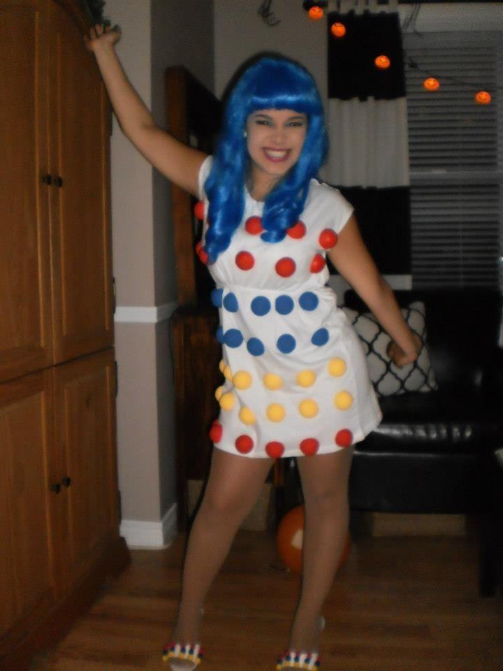DIY Katy Perry Costume (Styrofoam balls) | Nifty Thrifty ...