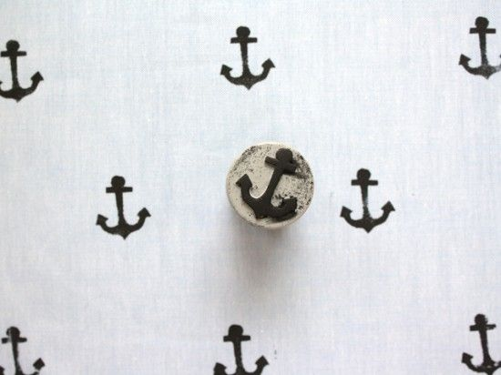 Anchor Stamped Handkerchief: Hands Stamps, Diy Stamps, Handmade Stamps, Sewing Projects, Textiles Ideas, 14 Diy, Crafts Projects, Stamps Fabrics, Diy Textiles