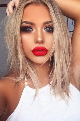 red lips + smokey eyes + shoulder length hairstyle / #hairstyles #beauty #makeup