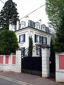 Paul Éluard - Wikipédia. Le surréalisme et l'exaltation de l'amour - les années folles