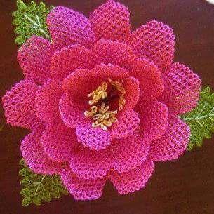 İğne oyası çiçek