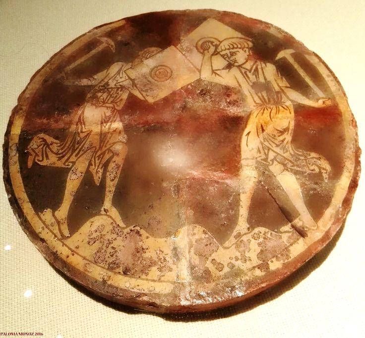 Baldosa de la abadía de Chertsey. Cerámica vidriada con barniz de plomo. Inglaterra. En Inglaterra, desde el siglo XIV todos los jóvenes entre los 7 y los 17 años se entrenaban  en el tiro con arco.