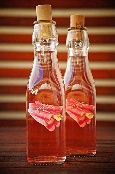 Rhabarber - Schnaps, ein schmackhaftes Rezept aus der Kategorie Likör. Bewertungen: 16. Durchschnitt: Ø 4,3.