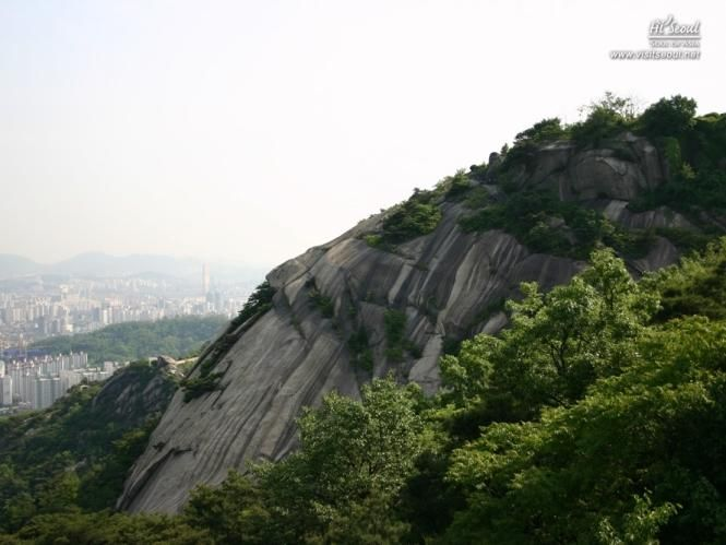 Another view of Ingwansan.