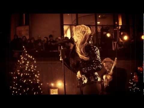 Shakira - Santa Baby - YouTube