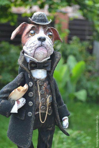 Купить или заказать Мэйсон. в интернет-магазине на Ярмарке Мастеров. Мэйсон,добродушный английский бульдог,выполнен в технике папье- маше.Одет в кашемировое пальто и шляпу,а в руке свежая пресса))З…