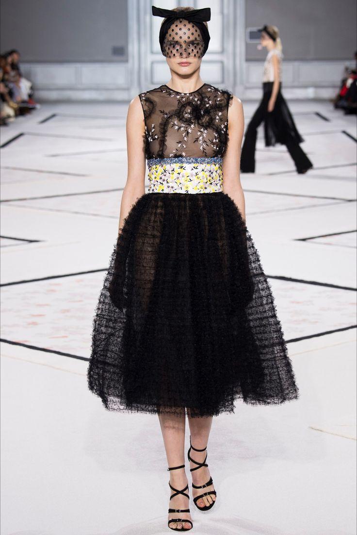 Sfilata Giambattista Valli Parigi - Alta Moda Primavera Estate 2015 - Vogue