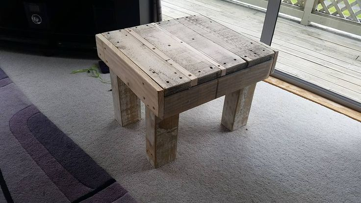 Tiny End Table Made of #Pallets - 150+ Wonderful Pallet Furniture Ideas | 101 Pallet Ideas - Part 5
