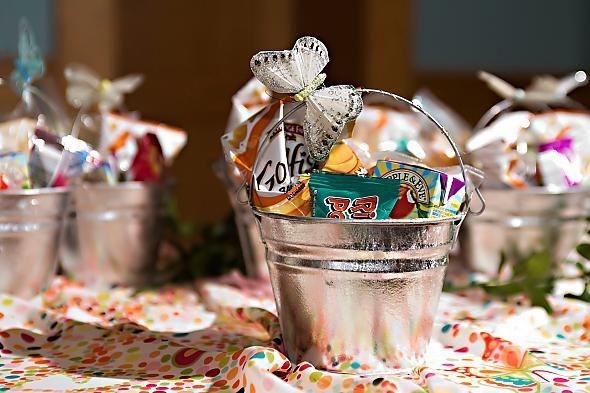 Kids Wedding Gifts: 25+ Best Ideas About Kids Table Wedding On Pinterest