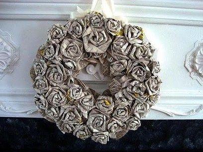 HOW+TO+DIY+ROLLED+PAPER+ROSES+WREATH,+newsprint,+book+pages,+paper+crafts