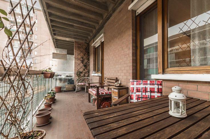 Home Staging di un appartamento semi-arredato in vendita a Venaria (Torino). Terrazzo. (12/2015)