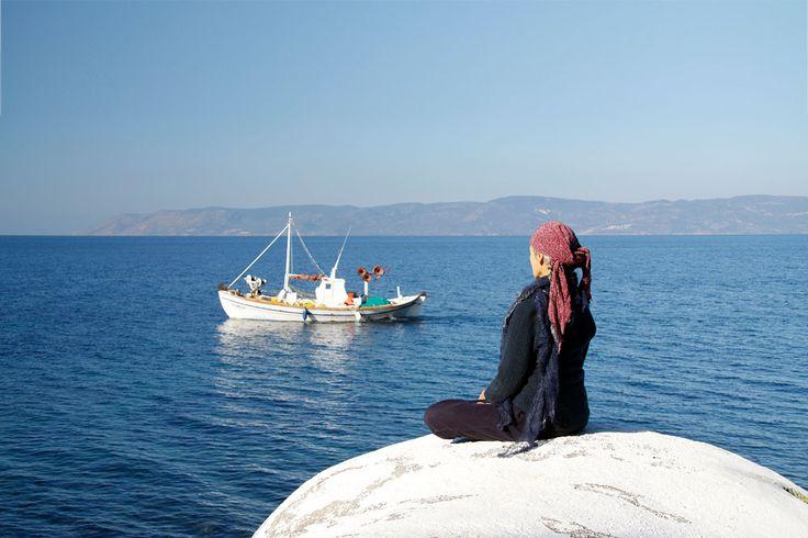 Yoga, on top of the Eftalou hot springs