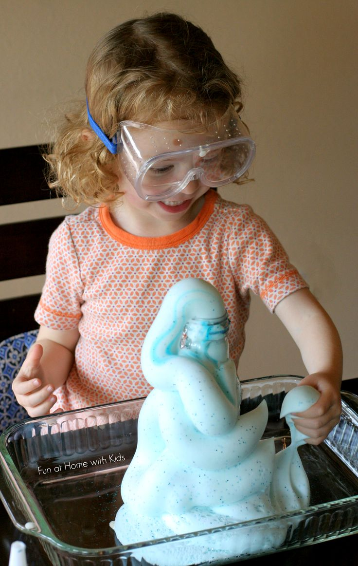 A fun science experiment we think you've just got to try - Elephant Toothpaste from Fun at Home with Kids!