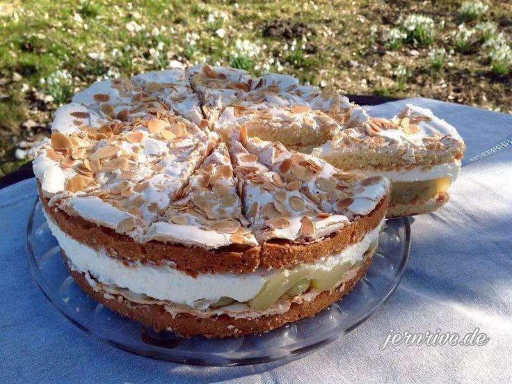 """Gefällt 45 Mal, 1 Kommentare - Backen/ Rezepte/ Garten (@jernrive.de) auf Instagram: """"Stachelbeertorte mit Baiser und Mandeln  Rezept auf☕️ www.jernrive.de  #backen #kuchen #torte…"""""""