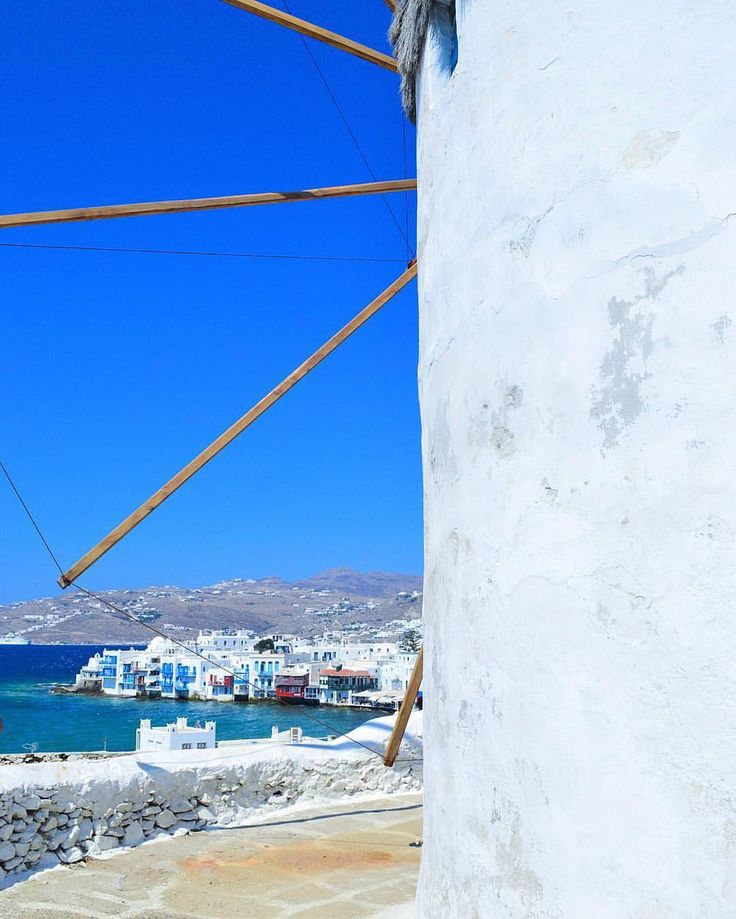 island of Mykonos (Μύκονος) The beautiful view from the famous windmills to little Venice ❤