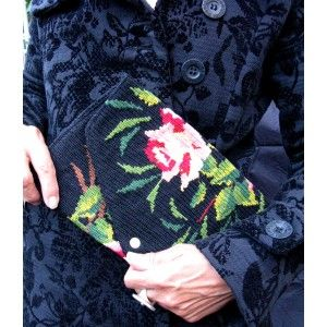 Tricia  - Pochette en Canevas Upcyclé Tapisseries vintage. French Needlepoint Pouch, Tapestry Purse leshopdemoz.com