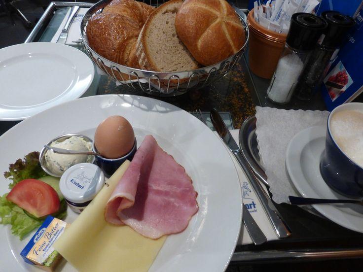 朝ごはん cafe Rischart