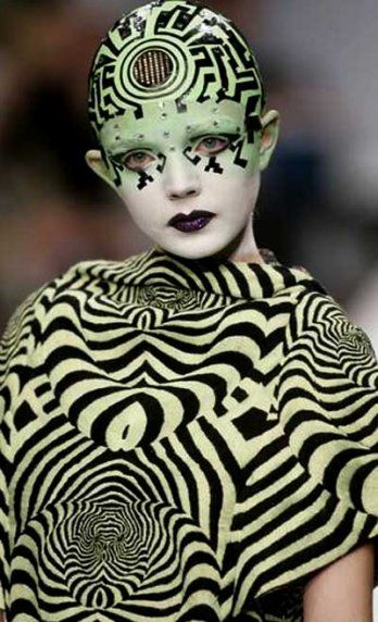 fashion - Manish Arora, makeup-Kabuki