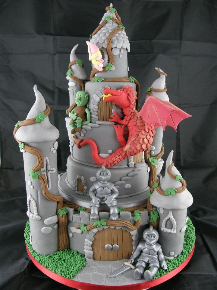 Dragon on the cake, make prettier