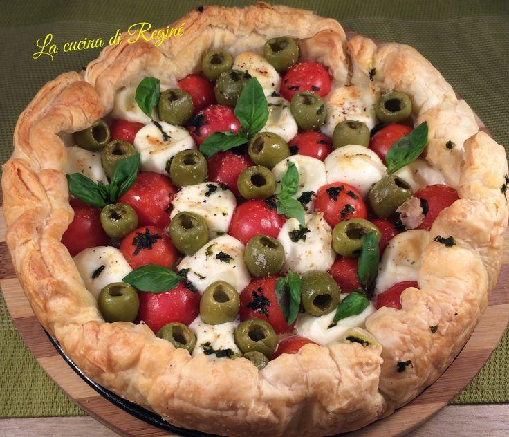 Sfogliata pomodorini e mozzarelline profumata al basilico