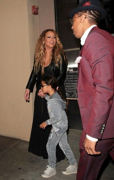 Mariah Carey Photos Photos - Estranged couple Nick Cannon and Mariah Carey are spotted leaving Mr Chow in Beverly Hills, California after enjoying dinner with their children Monroe & Moroccan on April 20, 2017. The pair who called it quits in 2014 after six years of marriage, were later spotted at PinkBerry with their growing twins. - Nick Cannon & Mariah Carey Enjoy Dinner With Their Kids