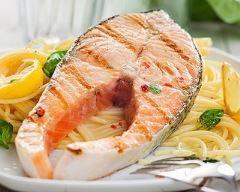 Darne de saumon aux tagliatelles et au basilic