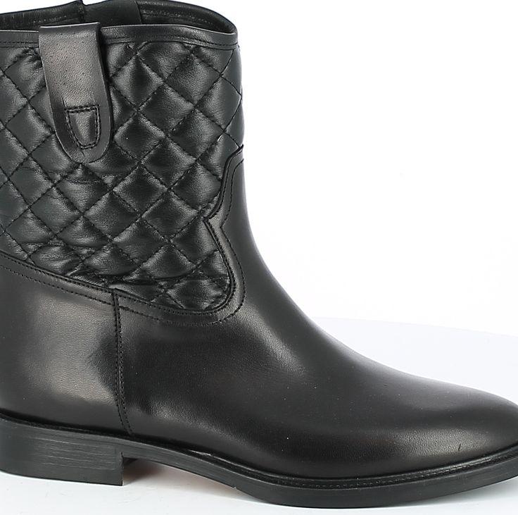 Tafting Low Boot