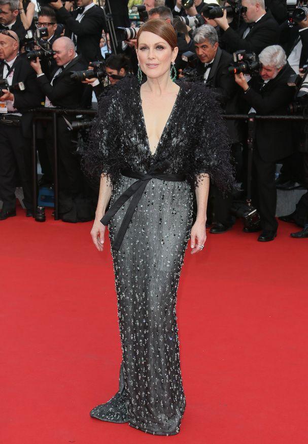 Julianne Moore portait une robe Armani Privé - Ouverture