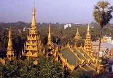 La Birmanie, le plus vaste pays de la p�ninsule indochinoise, d�tient une atmosph�re sp�ciale, des odeurs et une hospitalit� sans d�faut qui d�payse...