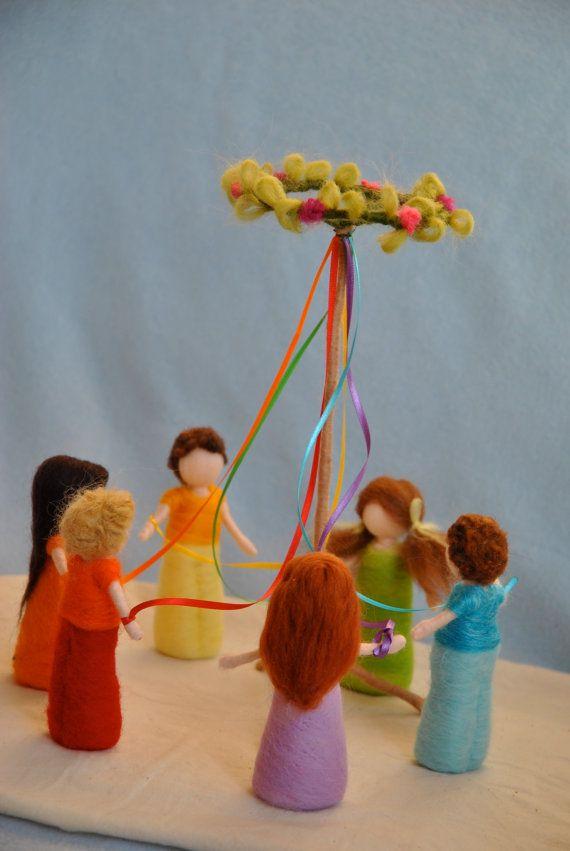Lente feest Waldorf Geïnspireerd naald vilten poppen: door MagicWool