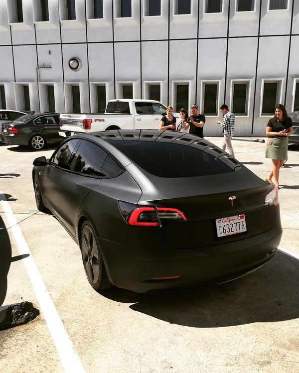 Eye-Catching Matte Black Tesla Model 3 Goes Out In The Wild - Gallery