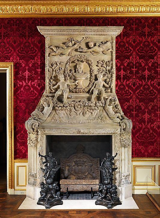 Chimneypiece (cheminée) PARIS 1670. Spectacular details. TG