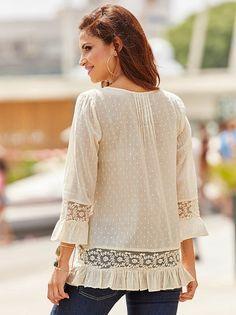 Blusa romántica mujer de algodón con entredós de encaje y volantes
