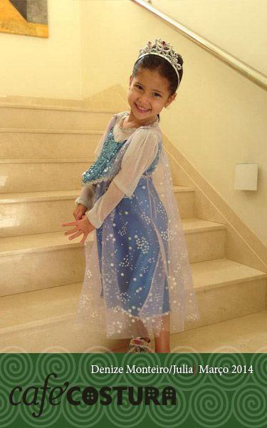 A Vovó coruja Denize transformou a neta literalmente numa princesa! Muuuuuito fofa essa Júlia!