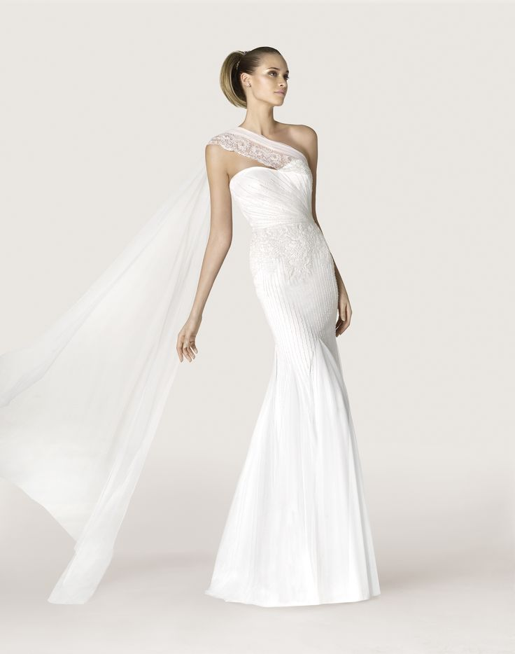 25+ best Collezione Sposa Pronovias 2015 images by Wanda\'s Dress ...
