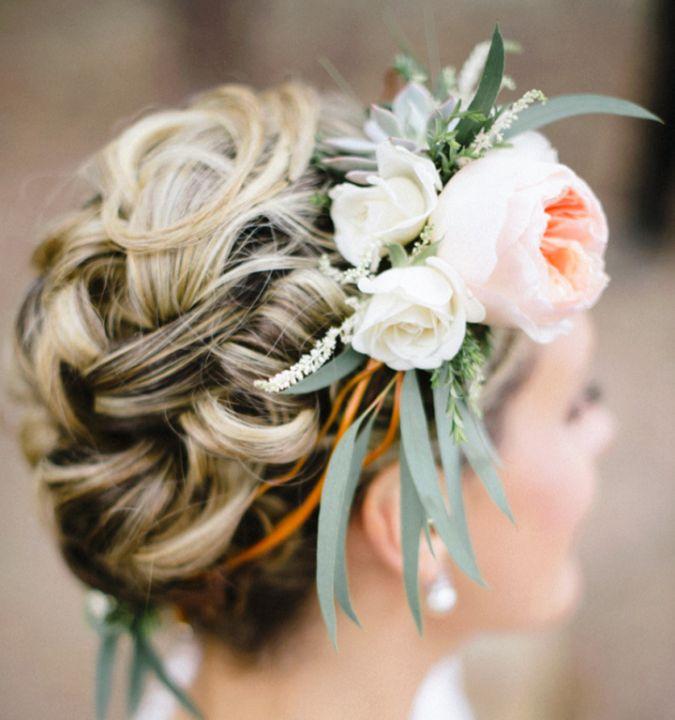 {Gorgeous Bridal Updo & Floral Crown <3} #hairstyles #hair #longhair #curls #waves #bride #bridalhairstyles #floralcrown #wedding #weddinghairstyles #beautiful #brooch #weddingstyle #weddinginspiration