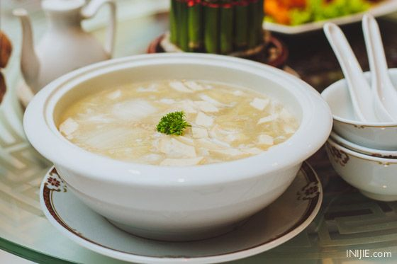 Soup with stuffed Chinese Cabbage
