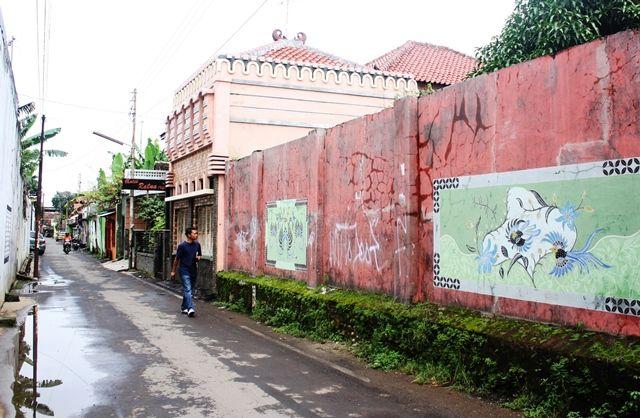 murals along the Kauman Village