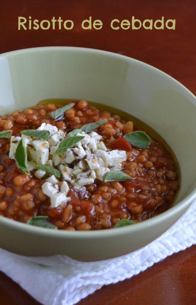 Muy diferente del risotto tradicional pero igualmente delicioso en su tipo, este risotto de cebada del libro Jerusalem, vale la pena probarlo.