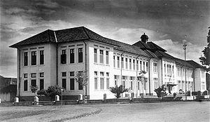 HBS BANDOENG. SMAN 3 & 5   Bandung   Heritage - School - SkyscraperCity