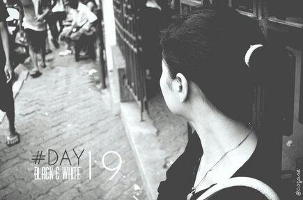 #30DaysChallenge Day 19: Black & White by @Yoshie Ikebe Adi