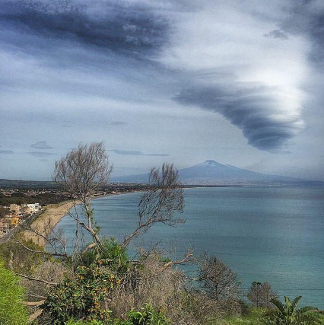 Etna 2 maggio 2015 nubi lenticolari