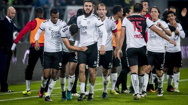 awesome FC Utrecht schakelt FC Groningen uit, AZ met moeite langs FC Emmen