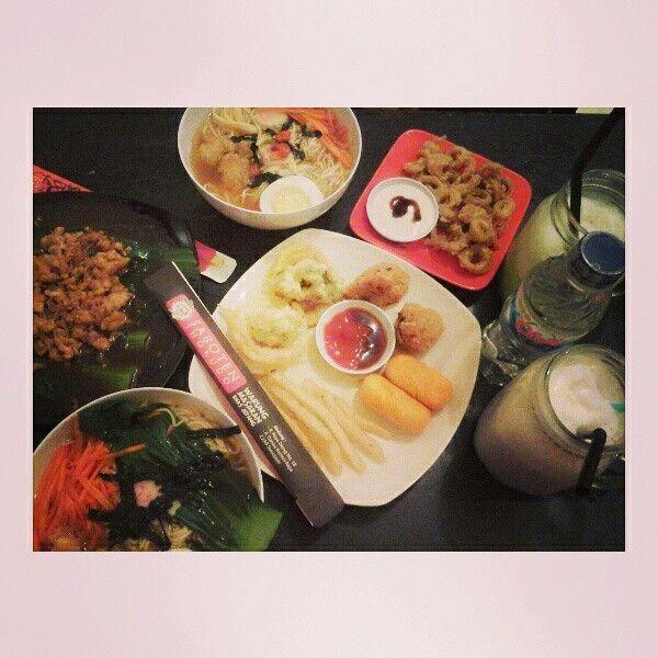 Ramen + veggie + snack