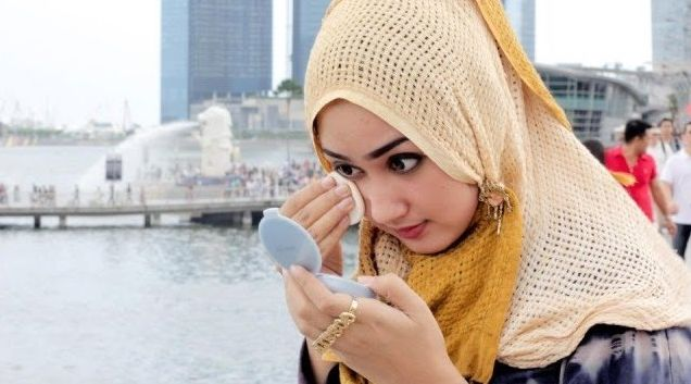 Make Up Waterproof, Haramkah Dalam Islam?