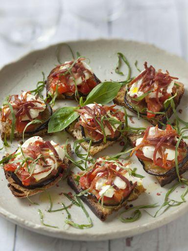 Recette Bruschetta tomates, aubergines et chèvre