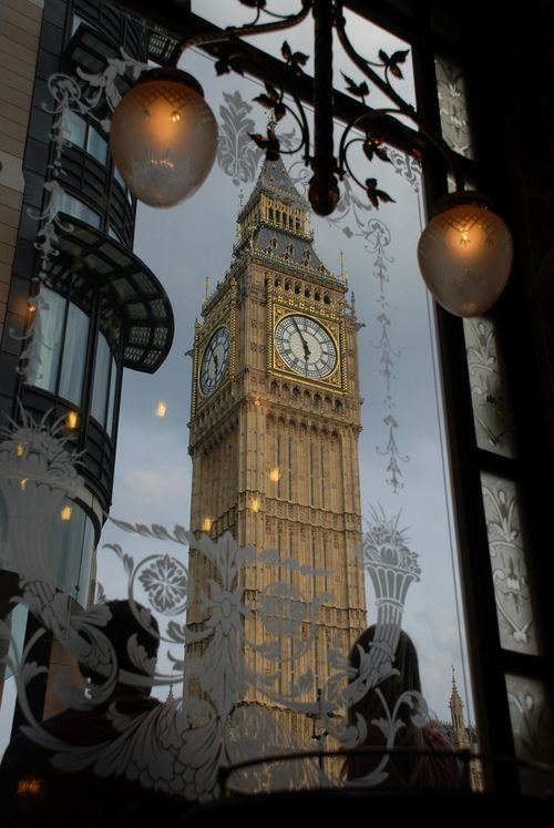 Benefik Big Ben from St Stephen's tavern. London Peter J.Rockwell
