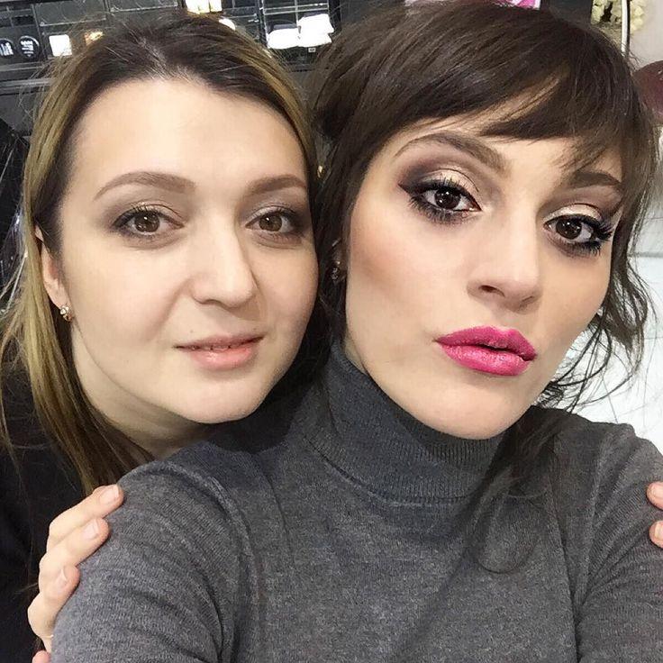 Минутка #селфи с моделью со вчерашнего МК по макияжу в Пятигорске. #obukhovamakeupschool #школамакияжа #nyx_pyatigorsk #nyx