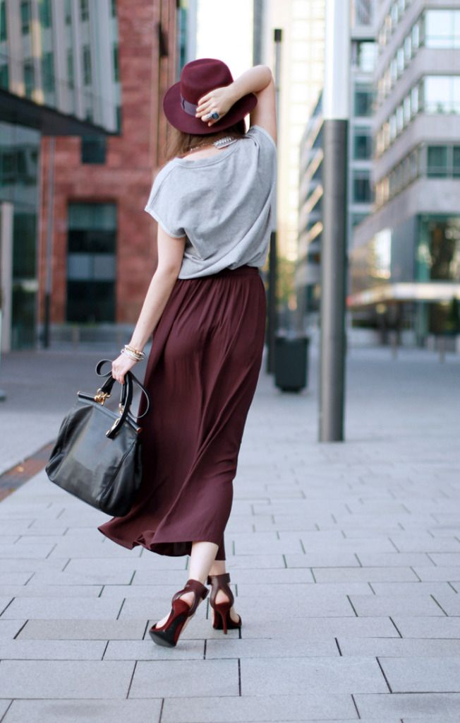 Burgundy: Colors Combos, Celebrity Style, Burgundy Skirts, Street Style, Long Skirts, Autumn Style, Style Scrapbook, Louis Vuitton Bags, Maxi Skirts