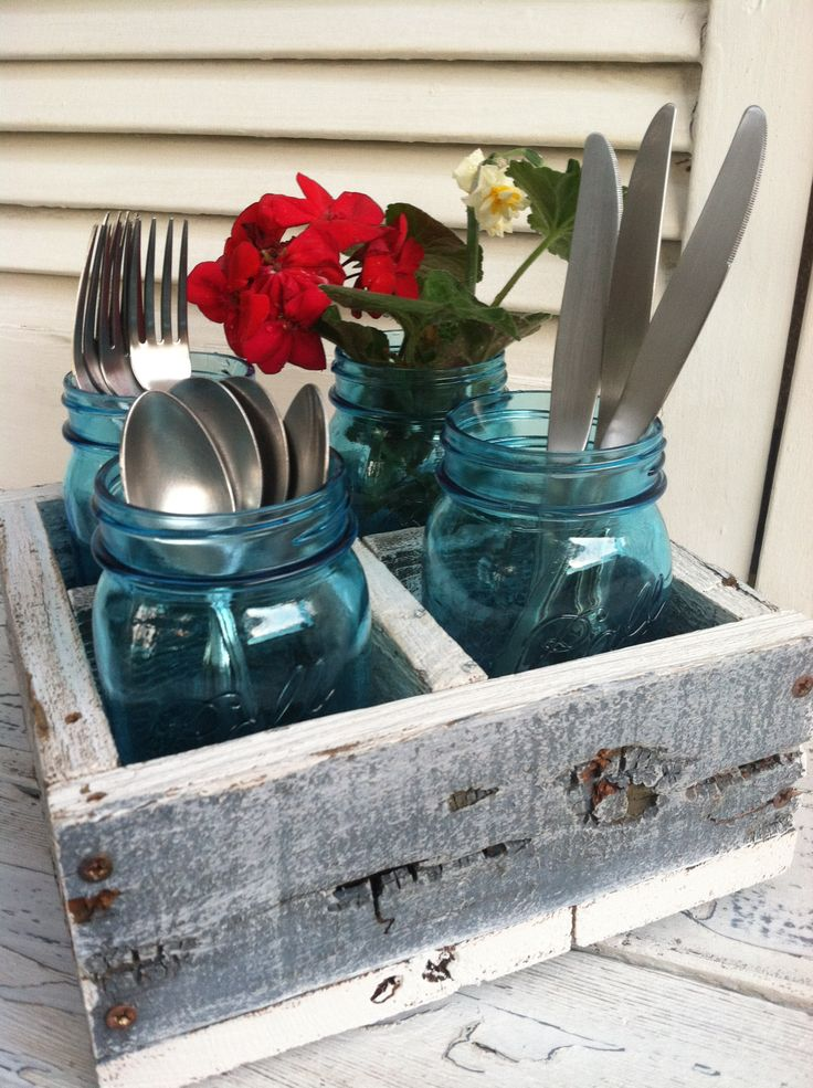 My mason jar crate inspired by Shanty 2 Chic and made from some old fence boards. Mine has no handle.